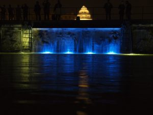 滝 水中照明 テープライト 地中照明 写真