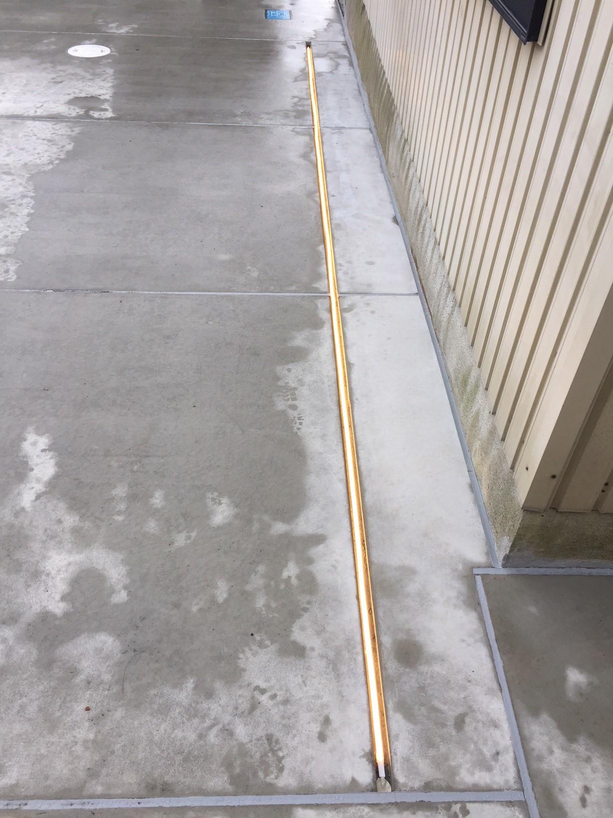 水中テープライト 駐車場設置2