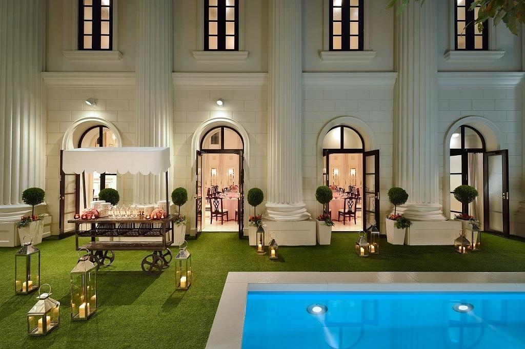 結婚式場・温浴施設・住宅の間接照明として利用する