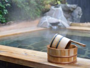 水中用ledテープライトを温泉に設置する
