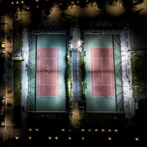 ①どのくらいの予算がかかるの?テニスコート照明をLED投光器にリニューアルor新設した場合にかかる予算をご紹介!