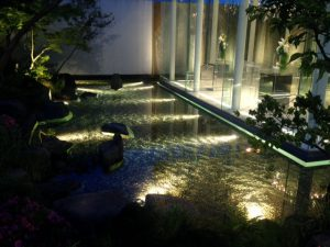 18W置き型水中照明(2700K)水盤照明写真