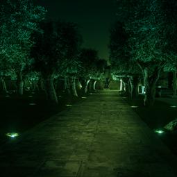 緑色単色での演出が可能! LED地中埋込型照明器具のラインナップ