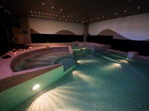 浴槽におすすめのLED水中照明器具のご紹介