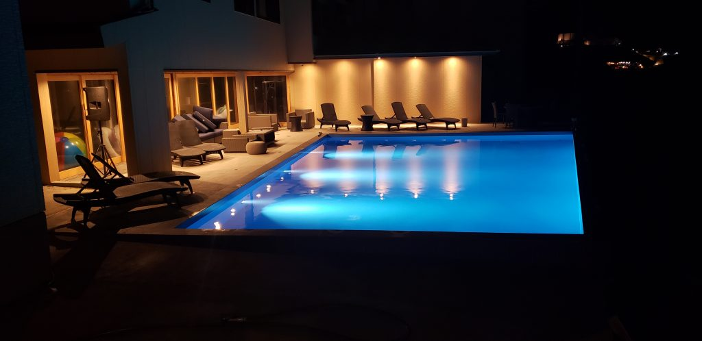 水中照明 プール カフェ