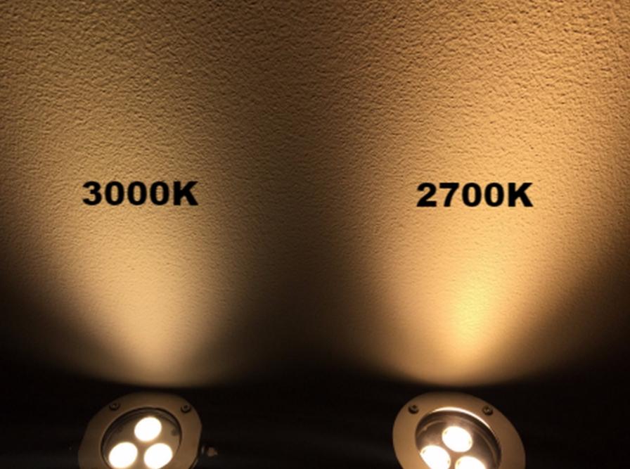 2700K、3000K水中照明の光