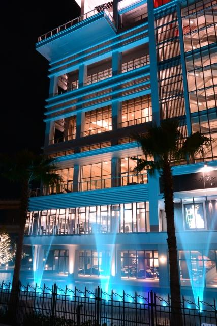 青色水中照明演出例