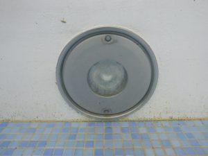 結婚式場水中照明-取り換え前についていたパナソニック製器具