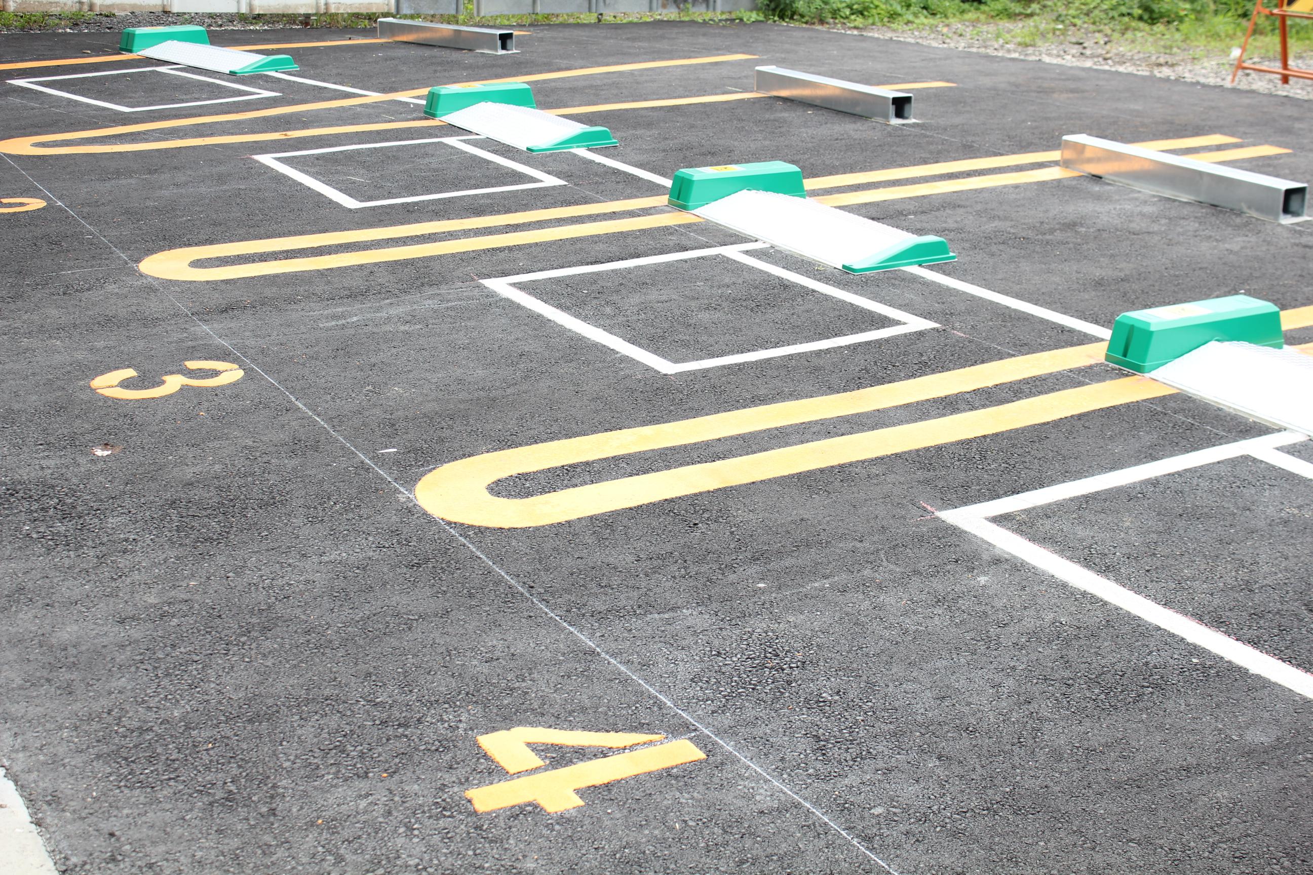 パナソニック製の駐車場用LED投光器を設置するならこんな場所がおすすめです。
