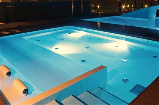 プール用LED水中照明