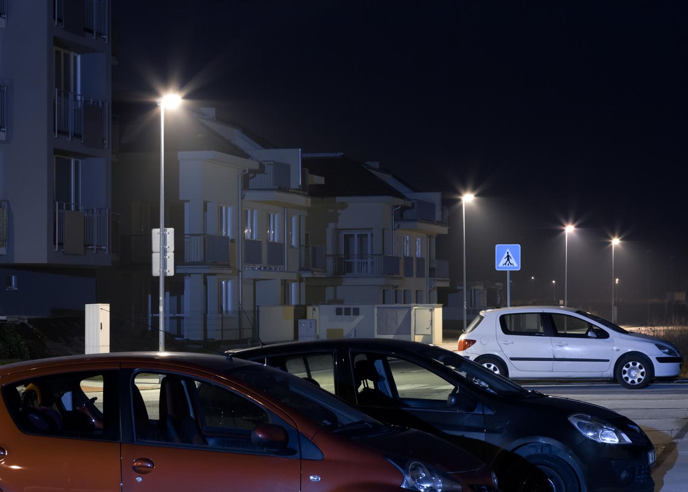 店舗や施設の屋外駐車場を照らす