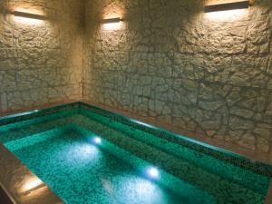 住宅の浴槽、プール、水盤、におすすめのライティングをご紹介!