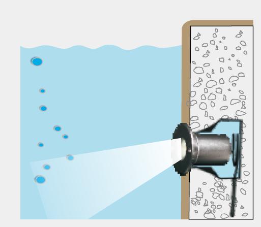 水中照明 斜光タイプ FCC4A0158
